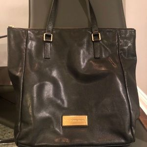 MARC BY MARC JACOBS LEATHER TOTE!